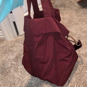 maroon Lululemon bag